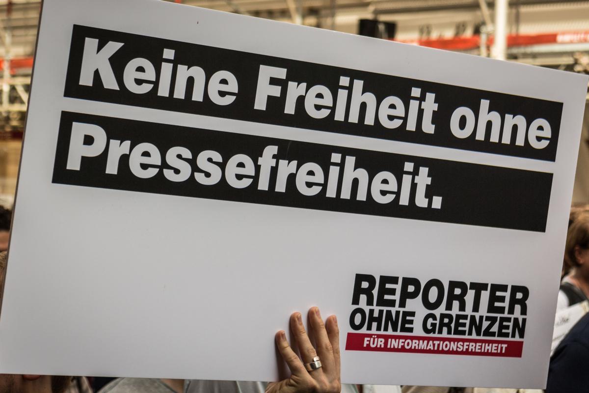 Untrennbar miteinander verbunden: Demokratie und Pressefreiheit