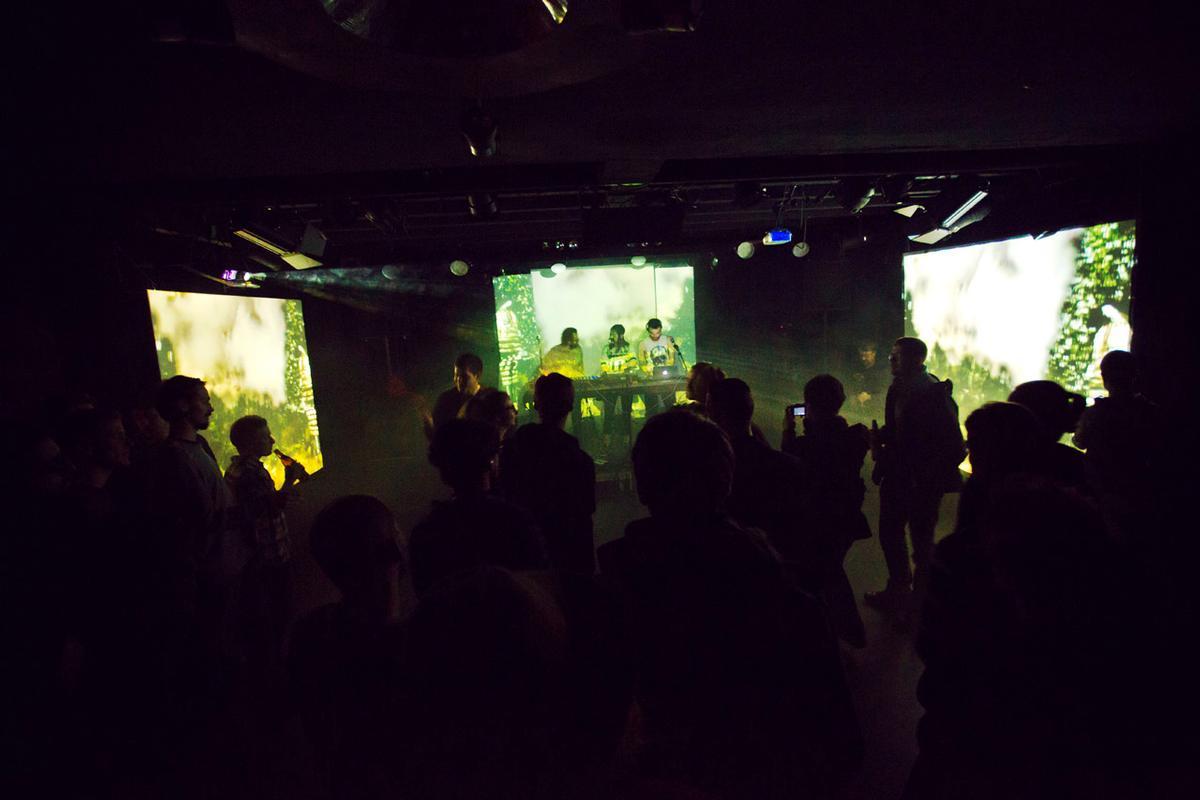 Performance-Clubbing im Z-Bau