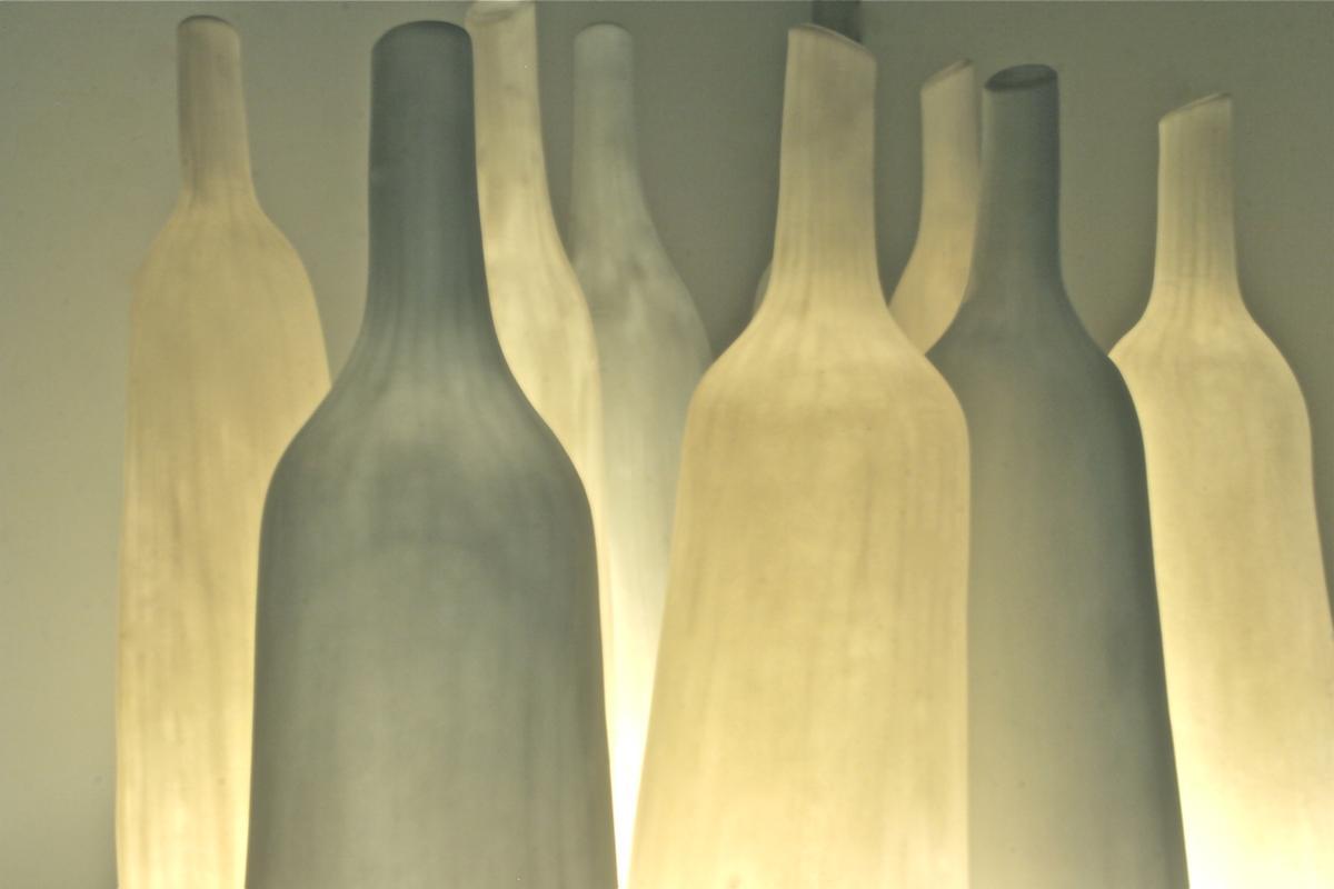 """whispering bottles"" von Christiane Toewe"
