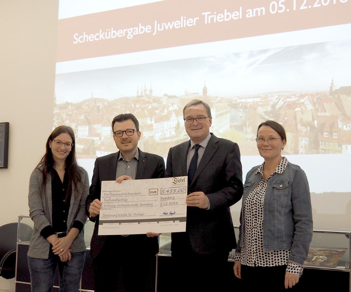 """5.455 Euro für """"Himmelsgarten-Rettungsringe"""""""
