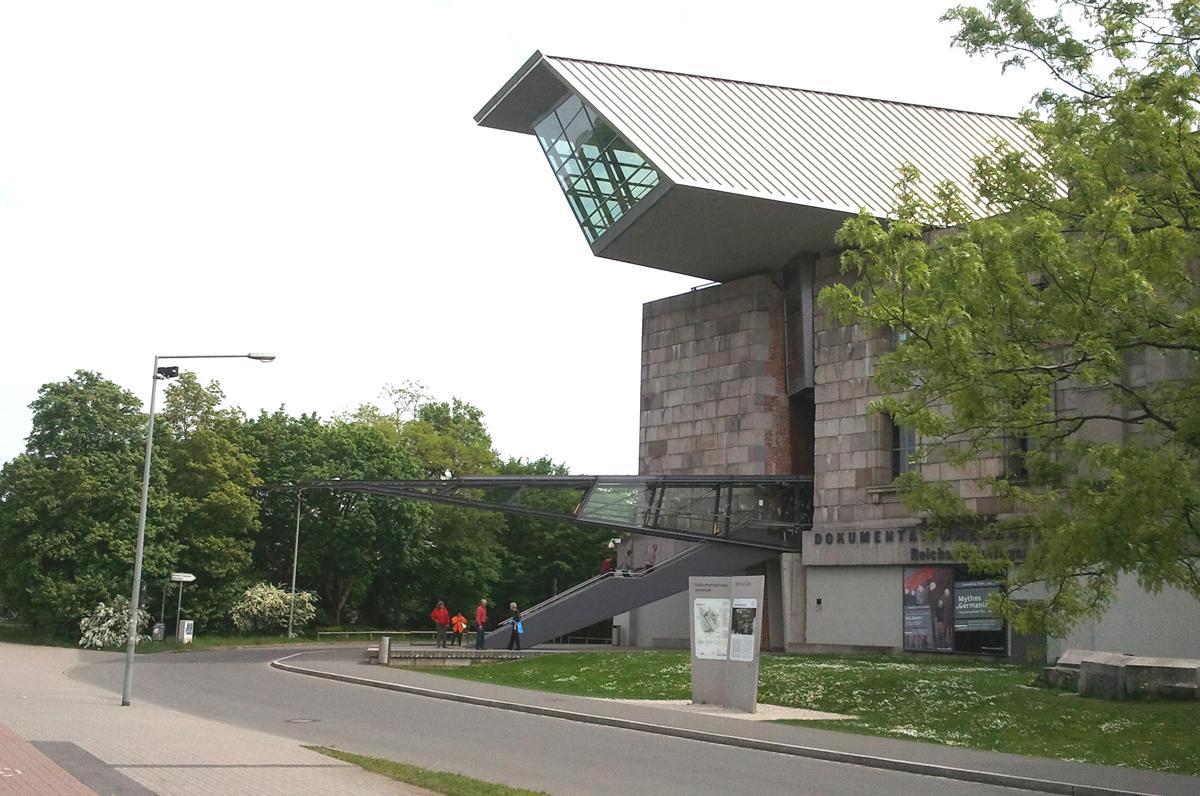 Bund sichert Ausbau des Dokumentationszentrums