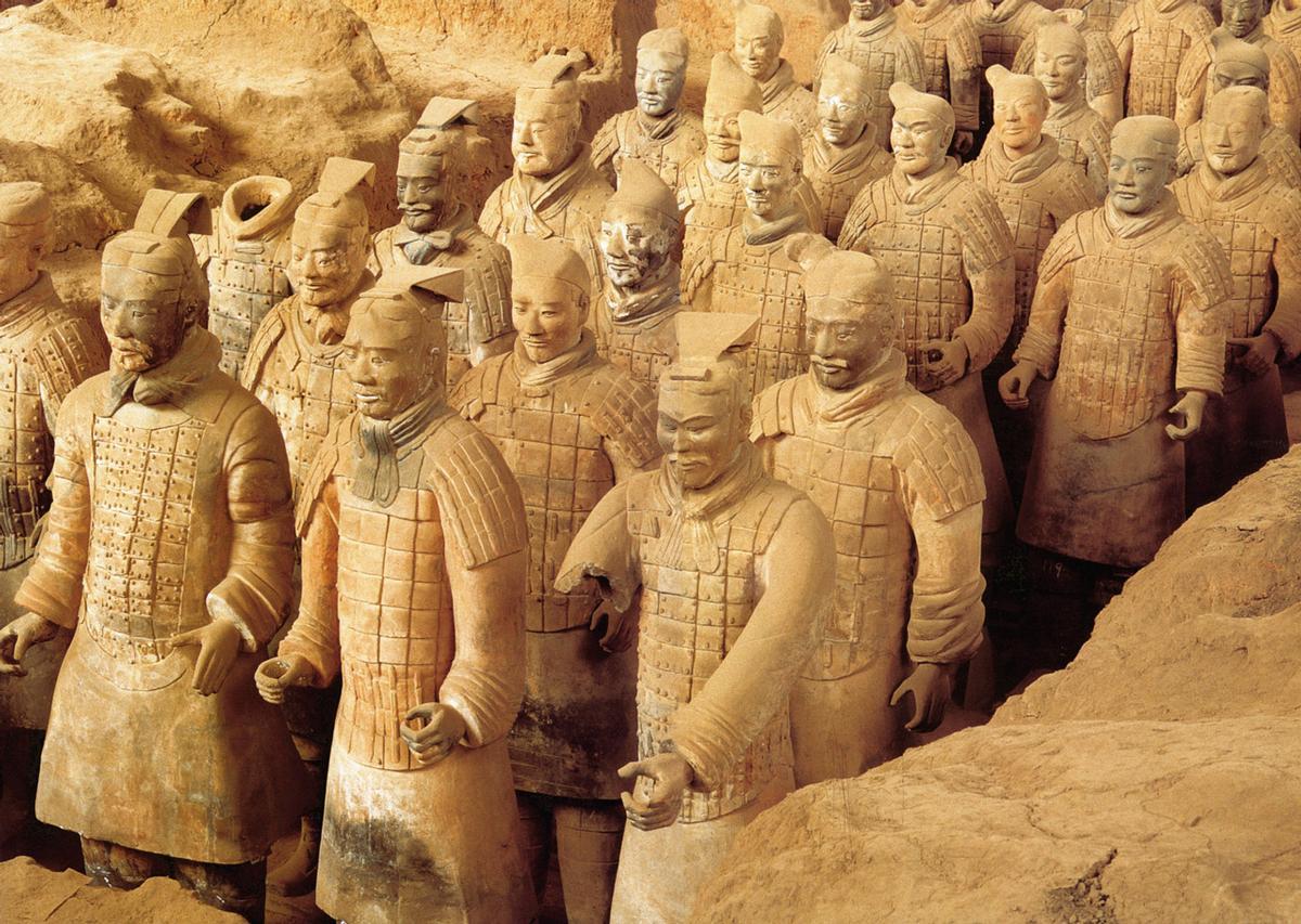 Die Armee des 1. Kaisers von China hält Einzug in Nürnberg